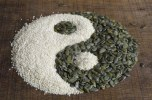 yin-yang-made-from-seeds